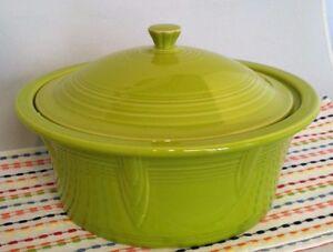 Fiestaware-Lemongrass-Casserole-Fiesta-Green-Large-90-oz-Covered-Bakeware