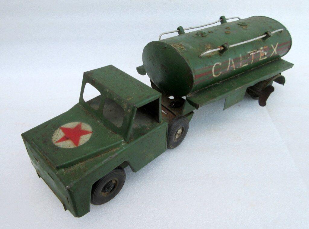 Vintage Antiguo Raro Coleccionable Wind Up Camión con logotipo en el tanque de aceite aceite Caltex juguete de estaño
