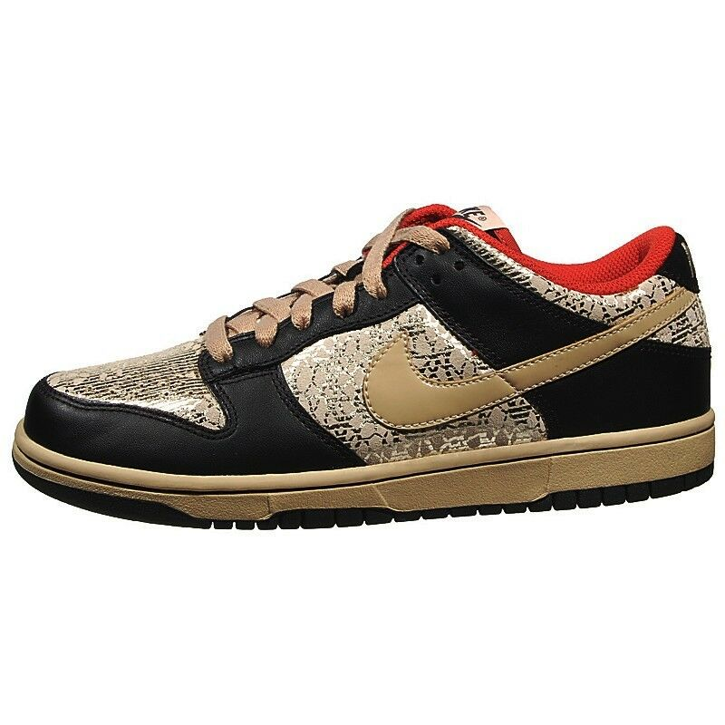 NEW BASKETBALL WOMENS NIKE DUNK LOW BASKETBALL NEW / CASUAL SHOES - 11 / EURO 43 - AUTHENTIC a935be