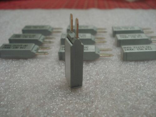 Lot 10 Eaton Bussmann Mini Circuit Breaker 21215-000 Type II Reset 15A CB212-15