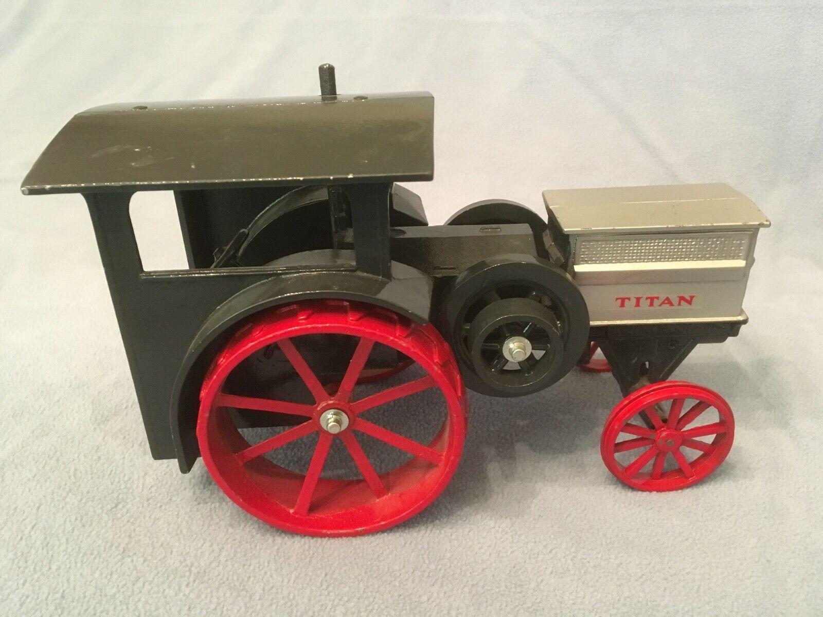 International Titan 30-60 1 16 Tracteur Avec Argent Radiateur