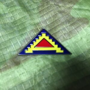 US-7TH-ARMY-HAT-LAPEL-PIN