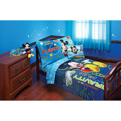 Mickey Mouse Space Adventure 4-piece Toddler Bedding Set