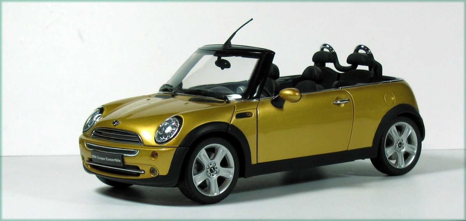 Mini Cooper 1  18, Takao.
