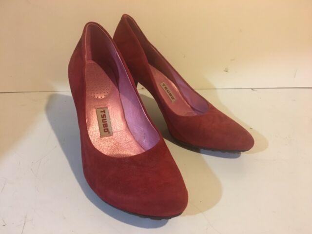 TSUBO Size 9 sexy Red Heels Pumps Shoes