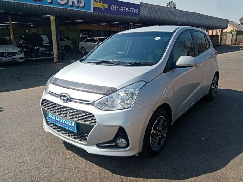 2017 Hyundai Grand i10 1.2 Fluid, Silver with 55000km available now!
