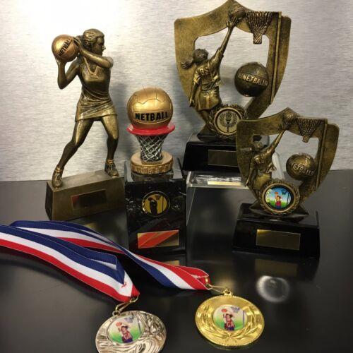 Una collezione di trofei Netball Con Incisione Gratuita,