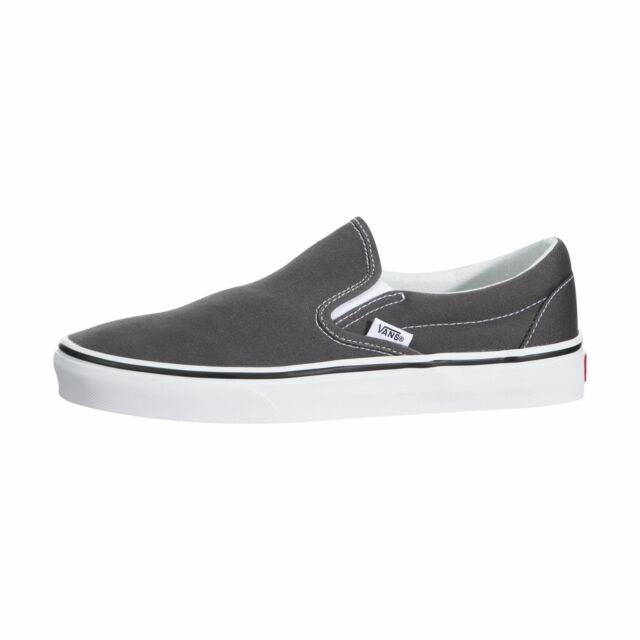6e0a937ebb7 VANS Classic Slip-on Round Toe Canvas Skate Shoe 5.5