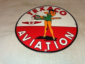 VINTAGE-TEXACO-AVIATION-PINUP-GIRL-AIRPLANE-11-3-4-034-PORCELAIN-METAL-GAS-OIL-SIGN