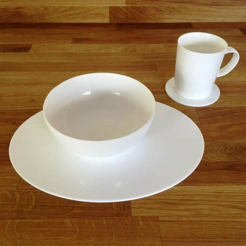 White Oval Placemat and Round Coaster Set