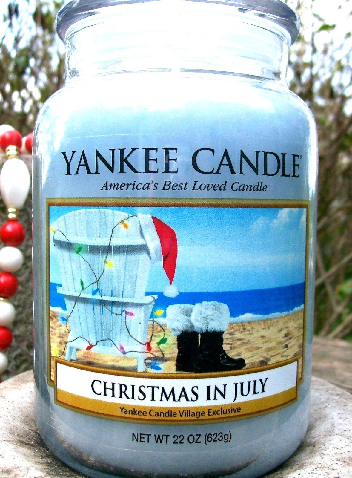 Yankee Candle  CHRISTMAS IN JULY  DEERFIELD VILLAGE EXCLUSIVE  22 oz. RAREVHTF