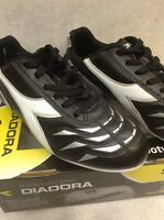 Diadora Youth Capitano Md Jr Soccer Cleats Black/white/silver Size 6