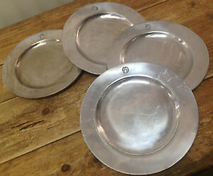 Image is loading Wilton-Armetale-Metal-Colonial-4-Dinner-Plates-Scratches- & Wilton Armetale Metal Colonial 4 Dinner Plates Scratches Crest ...