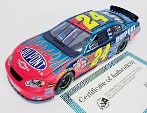 Action-Jeff-Gordon-24-DuPont-2005-Monte-Carlo-NASCAR-DieCast-1-24