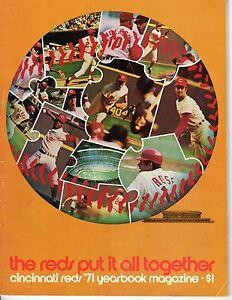 1971-Cincinnati-Reds-Baseball-Yearbook-magazine-Pete-Rose-Johnny-Bench-GOOD