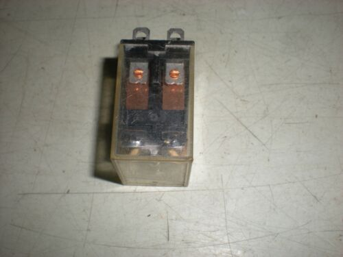 Double-Pole Double Throw Relay Omron Model LY2 110VAC Coil #2