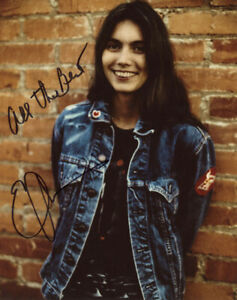 EMMYLOU HARRIS SIGNED AUTOGRAPHED 8x10 PHOTO COUNTRY MUSIC LEGEND BECKETT BAS