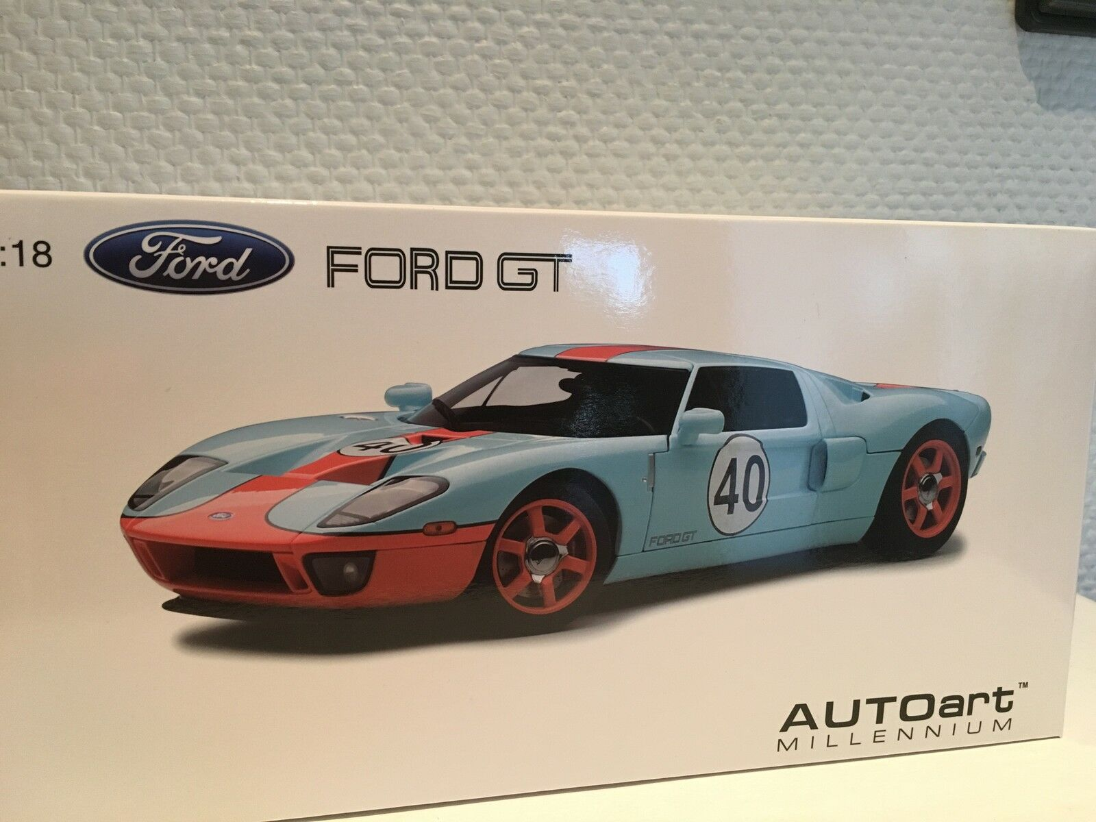 FORD GT LM 2004 Gulf livery  40 1 18 18 18 Autoart NUOVO & OVP 057a52