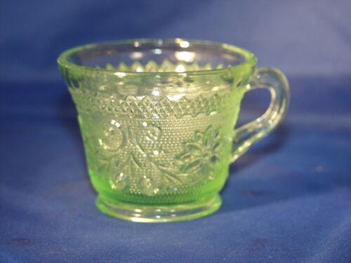 Chantilly Green Sandwich Punch Cup