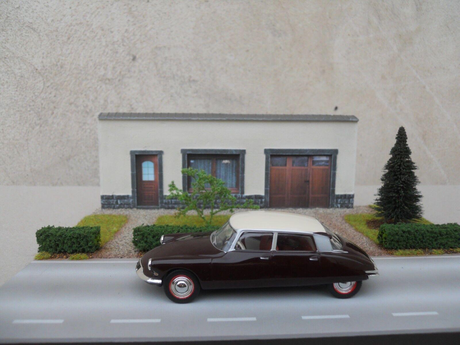 DIORAMA Fahrzeuge 1 43 N° 22 L 27 X l 20 X H 9,5 cm Fassade weiß