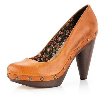 Seychelles Shoes Cloak Platform Pump Saddle Leather Studded Clog Wooden Heel 8 5 Ebay
