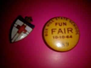 Vintage-Badges-x2-Both-badges-very-good-condition-Collectable