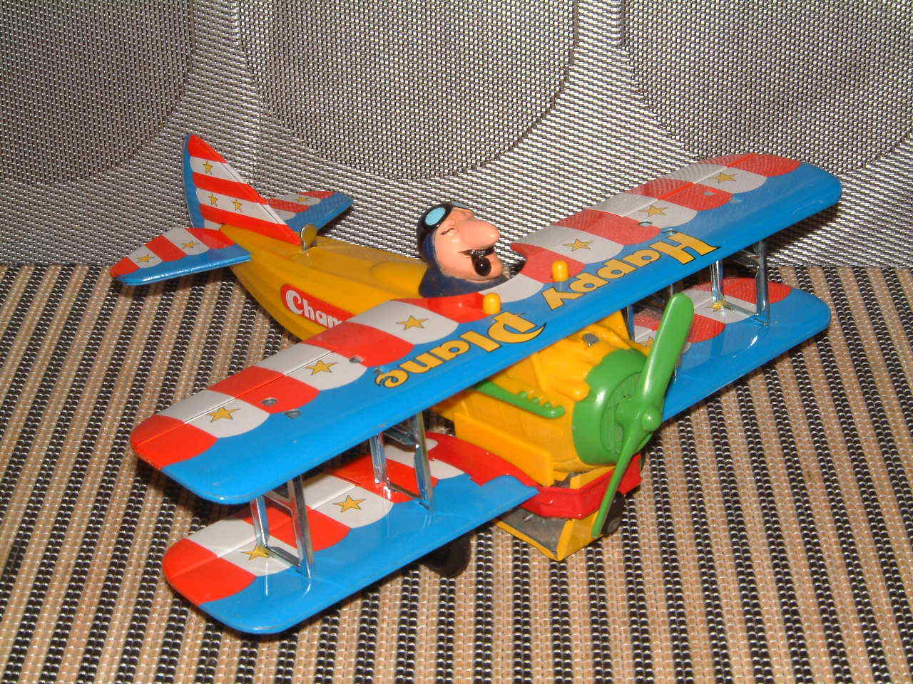 TPS VINTAGE BATTERY OPERATED HAPPY PLANE PERFECTLY PERFECTLY PERFECTLY WORKING W ORIGINAL BOX T.P.S. 0b39e5