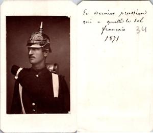 CDV-Soldat-casque-le-dernier-prussien-qui-a-quitte-le-sol-francais-1871-Vintag