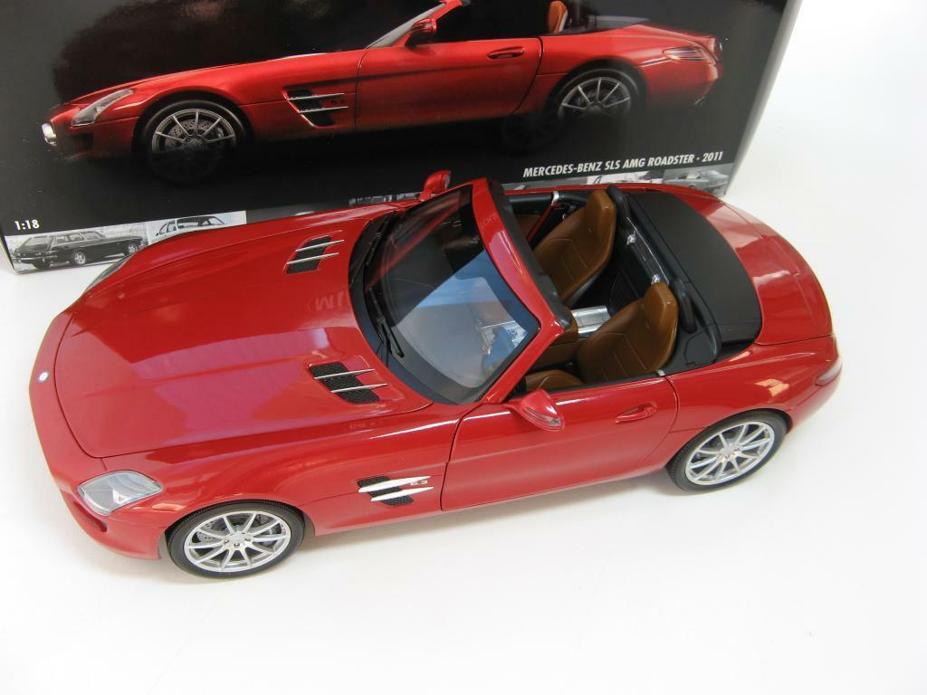 Mercedes-Benz SLS AMG Roadster Red metallic 2011 1/18 Minichamps SALE!