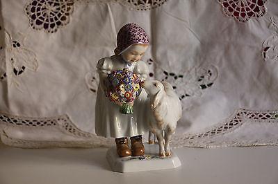 Mädchen mit Schaf, Meissen, (Bochmann)