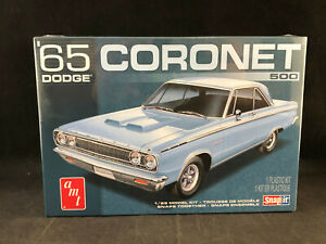 AMT 1965 Dodge Coronet 1//25 Scale Snap Model Kit No Glue Required