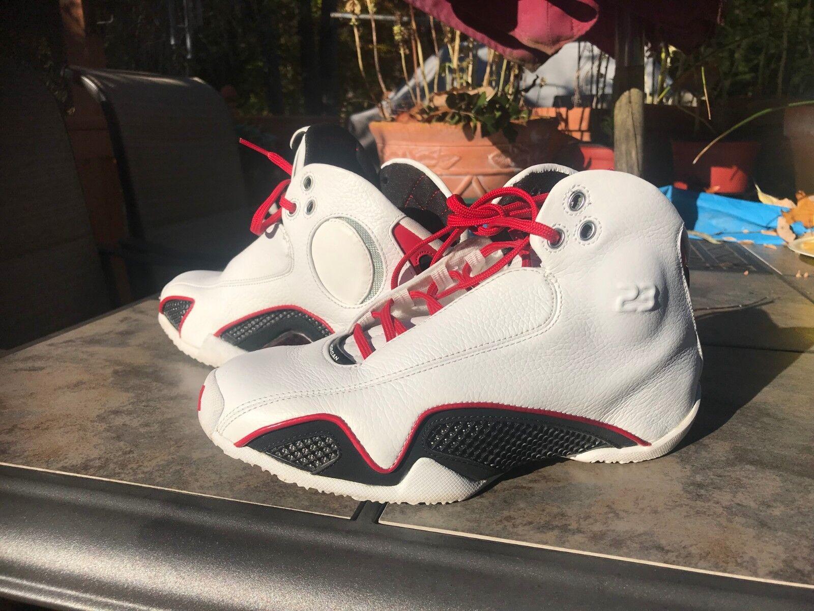 d1aa3ffd48976 Air Jordan Sneaker Authentic Retro White Black-Varsity Red size 5Y US. Nike  MEN'S Air Vapormax Flyknit 2 ...