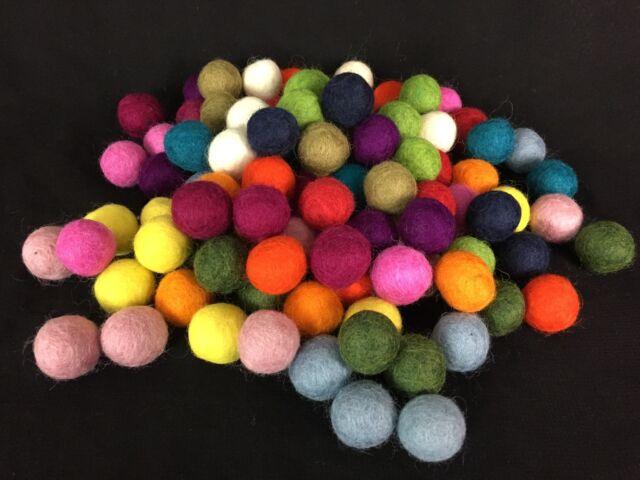 25 Filzkugeln 1 cm 2 cm rot /& orange Kugeln aus Filz Girlanden Mobiles Deko