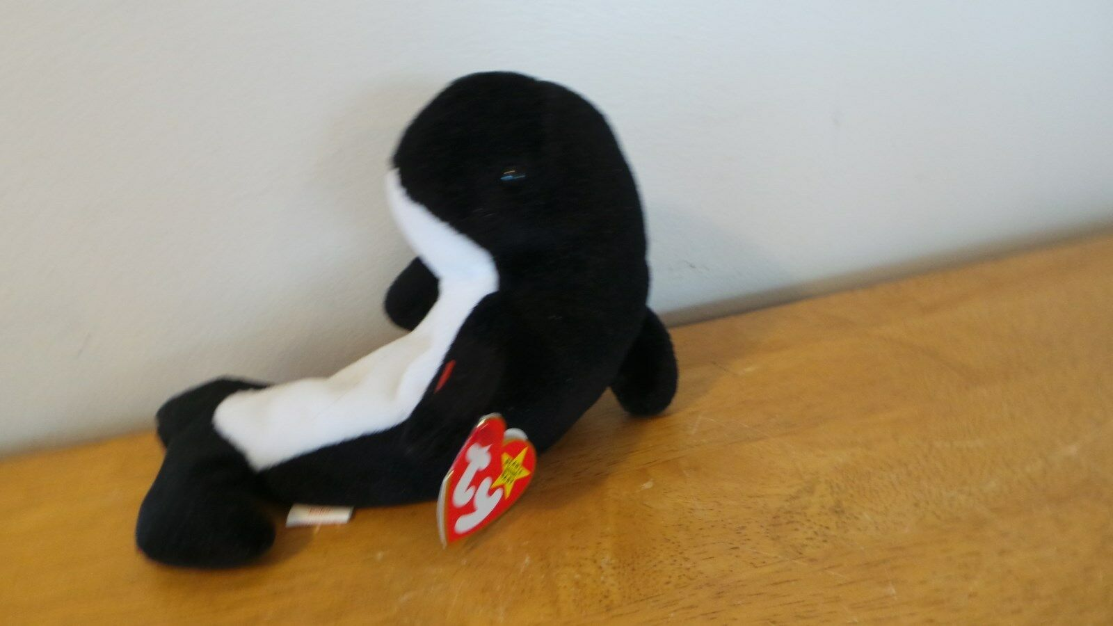 Mint Ty Beanie Baby Waves the Whale with (Echo) Tags, PVC, Extremely Rare
