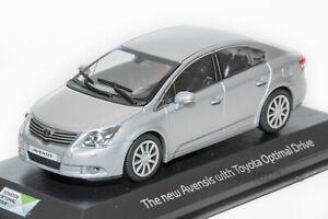 Toyota-Avensis-Sedan-de-plata-Minichamps-Escala-1-43-Modelo-de-concesionario-regalo-de-coche