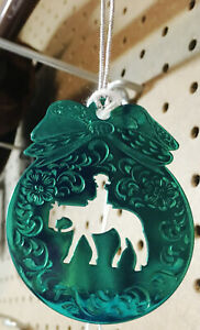 New-Christmas-Ornament-Engraved-Green-Metal-w-Western-Pleasure-Horse-Cutout-Cord