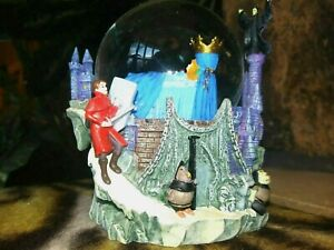 SLEEPING-BEAUTY-PRINCE-PHILLIP-MALEFICENT-GLITTER-SNOW-WATER-GLOBE-NEW-MINT