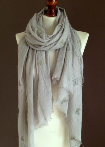 OVERSIZE LADIES SOFT BUTTERFLY PRINT FRAYED FASHION SCARF LIGHT GREY 100/%VISCOSE