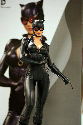 DC COMICS COVER GIRLS CATWOMAN STATUE