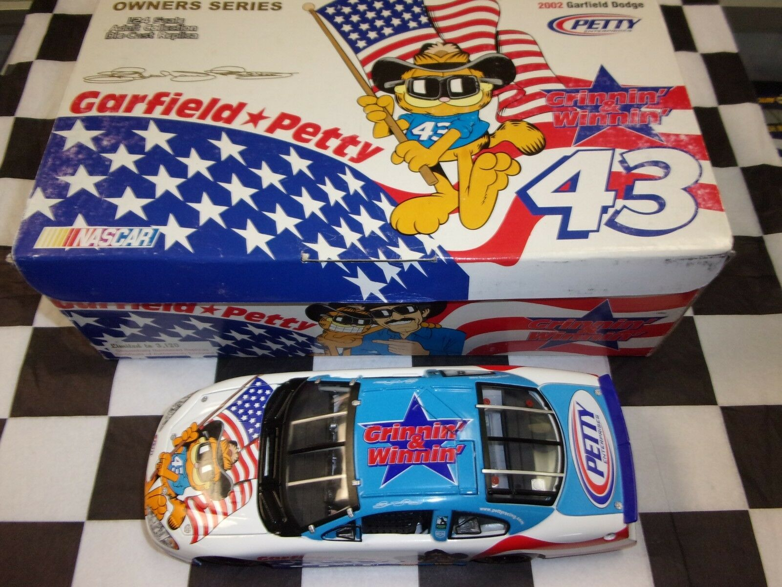 Richard Petty  43 Garfield Owners Series 2002 Dodge 1:24 Team Caliber NIB NASCAR