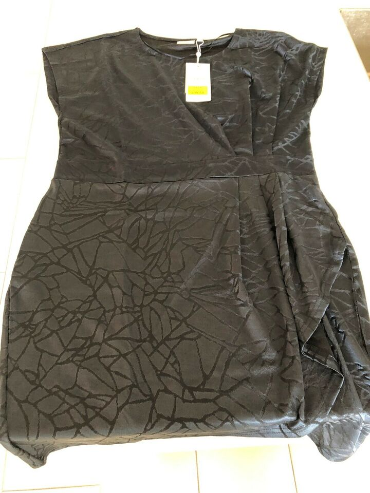 Anden kjole, Fransa og H&M, str. XL
