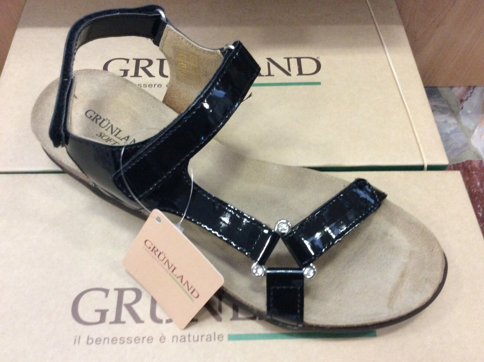 GRUNLAND ISAH SB0159 nero vernice sandali donna strappi comodi fondo antiscivolo