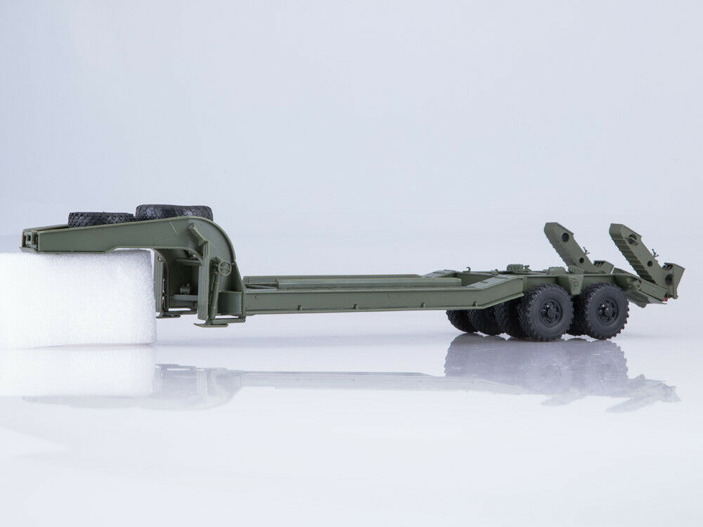 1 43 ChMZAP-5247G Heavy  Semi-Trailer 102316 Avtoistoria