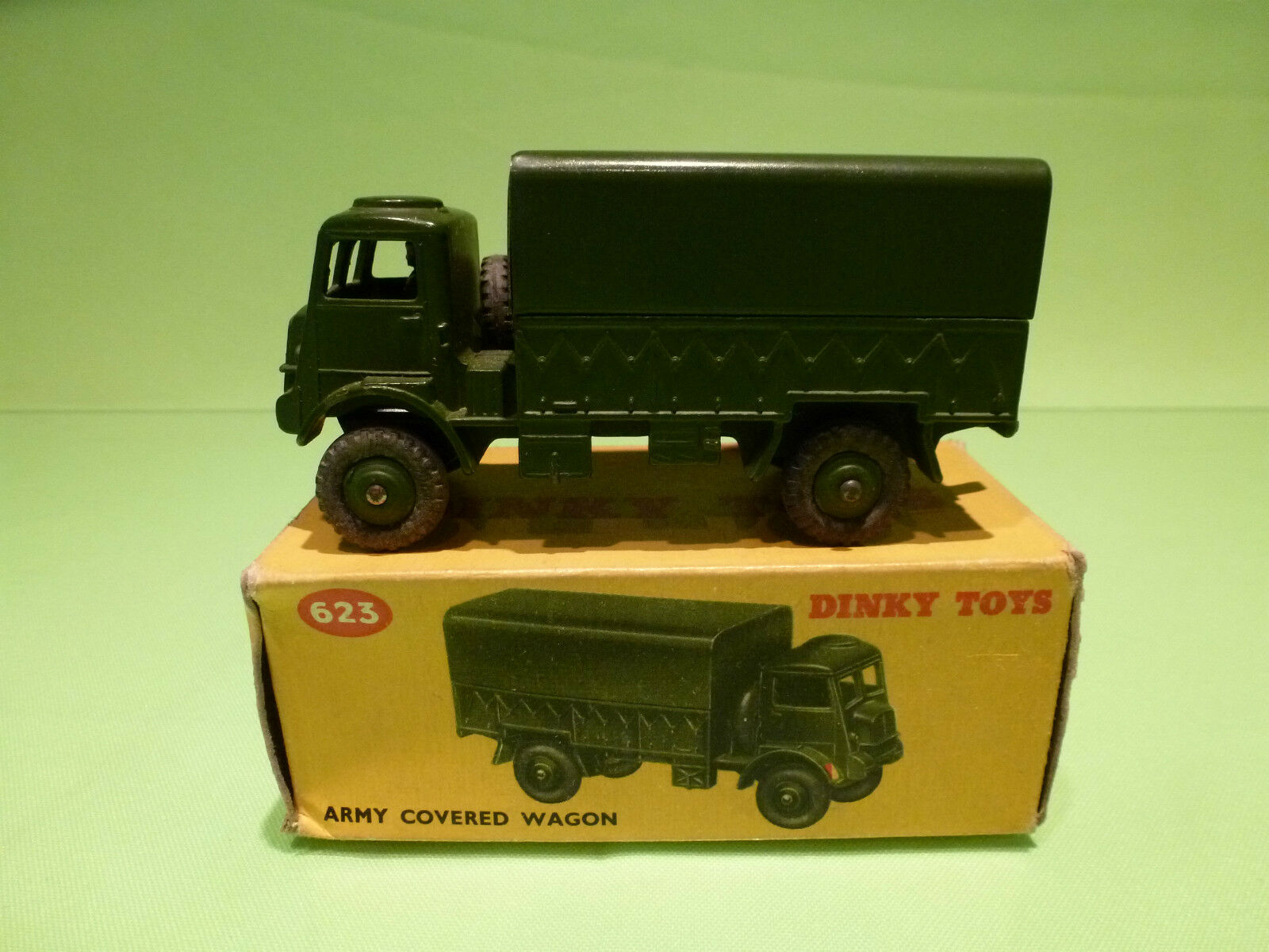 DINKY TOYS 623 ARMY COVERED WAGON - MILITARY - NEAR MINT IN BOX
