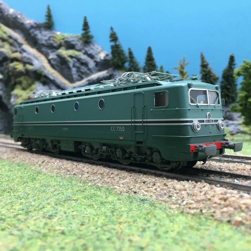 Locomotive CC7150 Lyon Mouche MISTRAL Ep III SNCFHO 187REE JM001