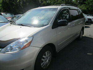 Toyota Sienna LE 2008 avec carfax exceptionel