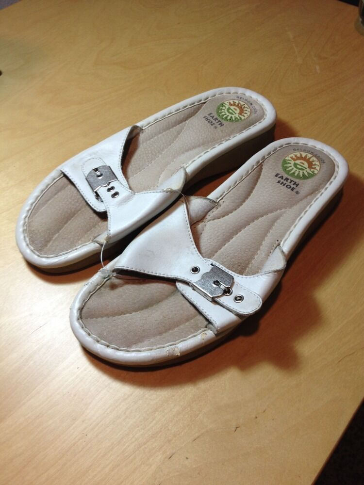 EARTH WOMENS WHITE LEATHER STRAP SLIDE IN SHOES  SIZE 8.5 CS