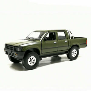 1-32-Toyota-Hilux-Pickup-Truck-Model-Car-Alloy-Diecast-Gift-Toy-Vehicle-Green