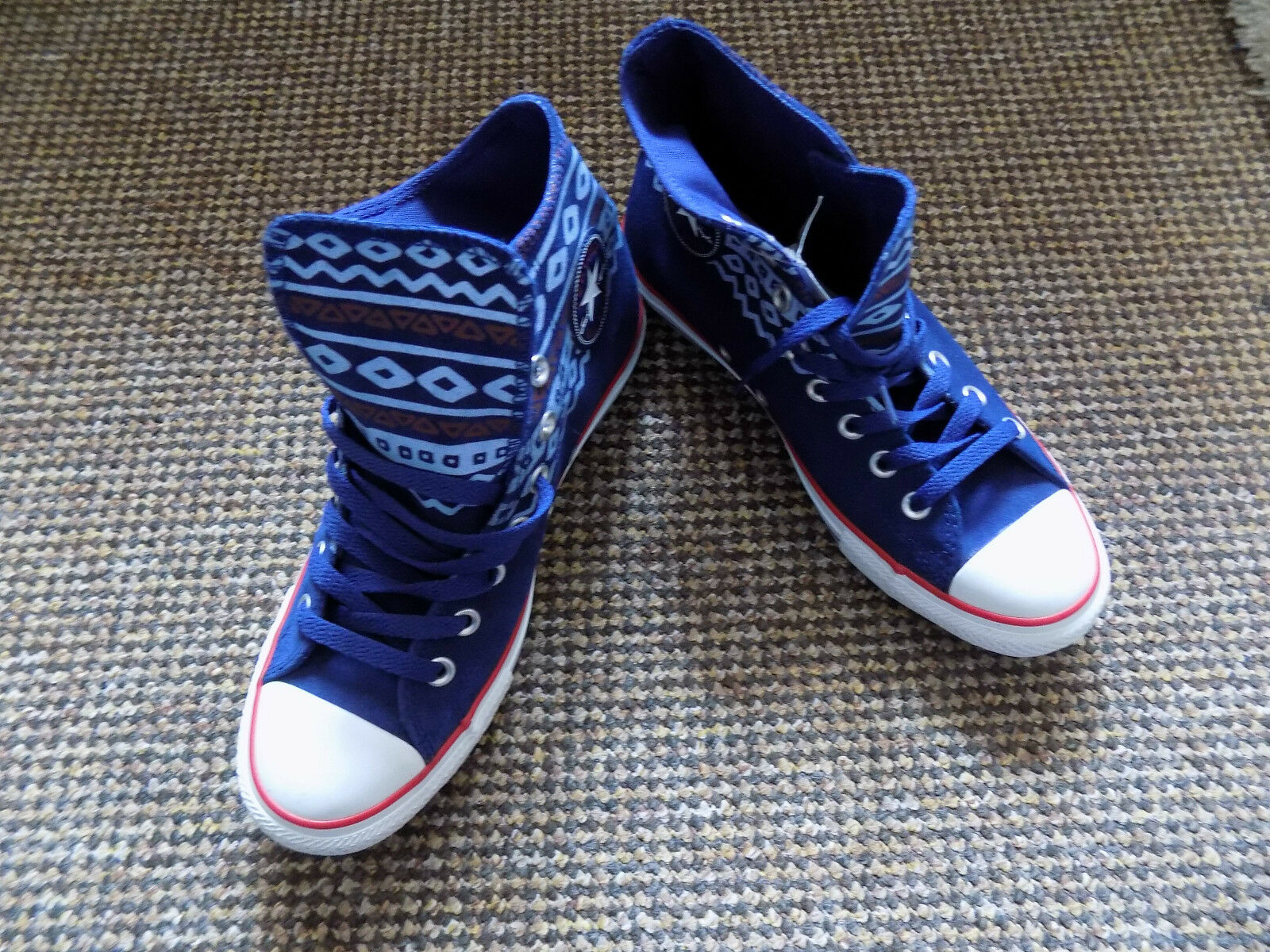 Converse All Star size 7.5 hi top bluee suede lace lace lace up brand new 453978