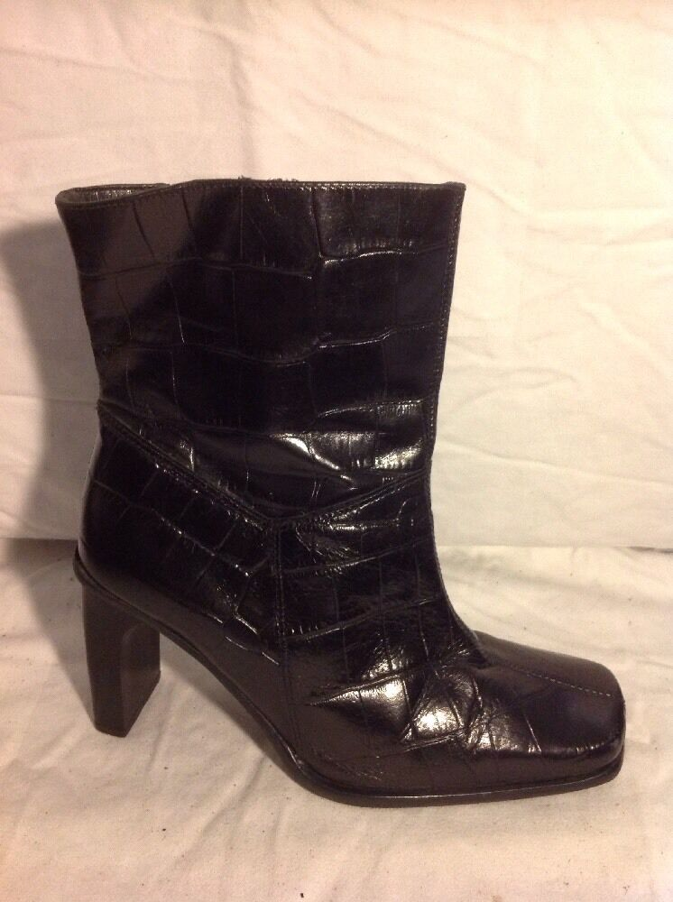 Essence Black Ankle Leather Boots Size 39